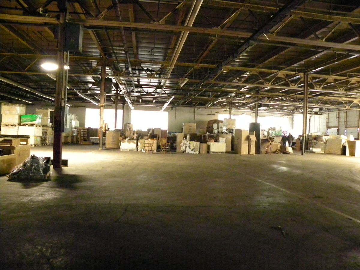 Crawford furniture real estate auction blackbird - Interior furniture warehouse buffalo ny ...